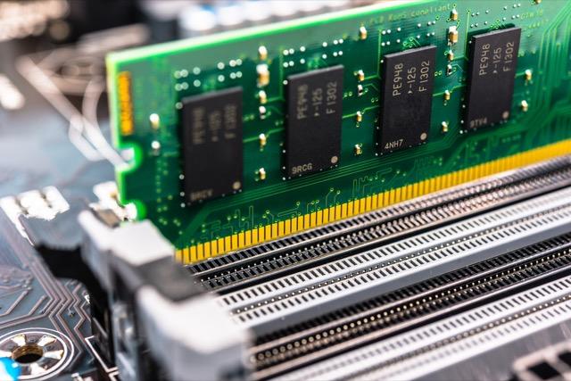 حافظه RAM چیست و سیستم شما چه میزان RAM نیاز دارد؟