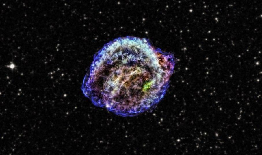 این تصویر باقی مانده ابرنواختر کپلر میباشد انفجار معروفی که توسط یوهانس کپلر در سال 1604 مشاهده و کشف شد - فایل گپ
